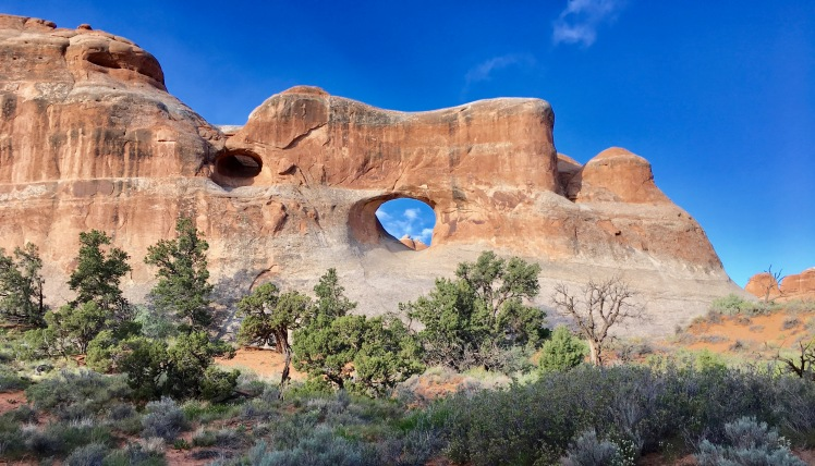 Hole in the rock/arch